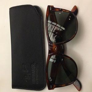New Ray Ban Wayfarer sunglasses